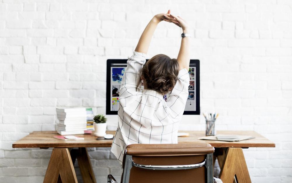 Tips Duduk Tidak Pegal Untuk Pekerja Kantoran