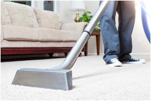 Bersihkan Karpet dengan Vacum Cleaner